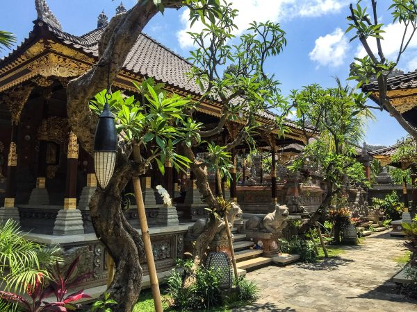 Dwaraka Villas Indonesia-How to Spend Less Than $50 A Day in Bali